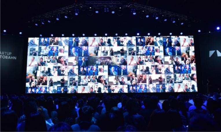02-3DLogo墙.jpg